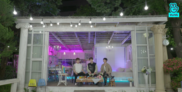 Bộ ba K.R.Y chính thức tung album đầu tay, tiết lộ phản ứng của Siwon và các thành viên Super Junior khi trở lại sau 14 năm debut - Ảnh 3.