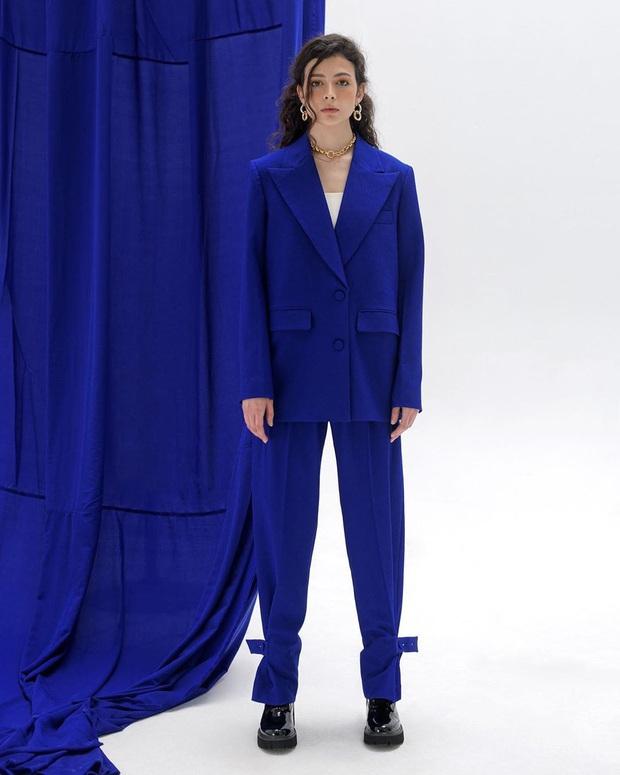 Loạt hot item đang được hội gái xinh sành mặc Vbiz thi nhau diện hóa ra toàn món dễ sắm, lại có giá cực kỳ phải chăng - Ảnh 21.