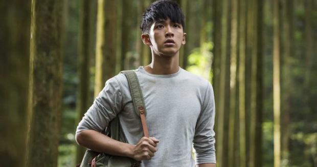 Phim của Kha Chấn Đông tung trailer đấm đá hoành tráng, công bố lên kệ sau 5 năm trì hoãn vì bê bối chất cấm - Ảnh 2.