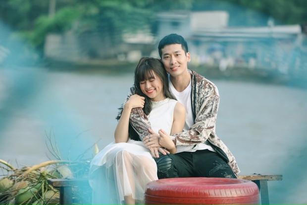 Mới ngày nào mê mẩn thầy Ngạn, nay Trà Long Khánh Vân đã bén thính Tuấn Trần ở hậu trường web drama mới - Ảnh 1.