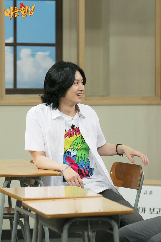 Heechul hứng gạch đá tới tấp vì ném đồ vào người Irene trên sóng truyền hình: Trò đùa hay hành động miệt thị kém duyên? - Ảnh 4.