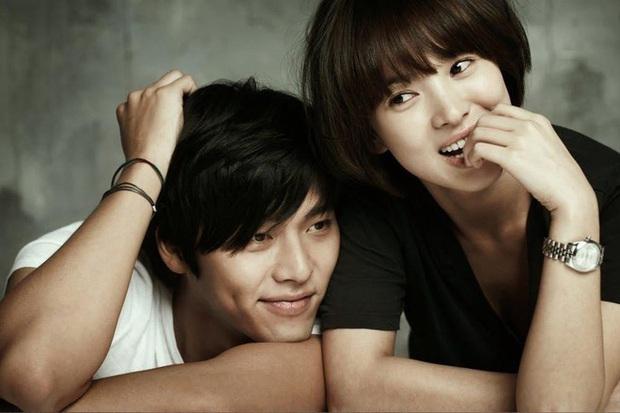 Để ý mới thấy cách Hyun Bin phản ứng trước tin đồn hẹn hò Song Hye Kyo - Son Ye Jin khác nhau một trời một vực thế này? - Ảnh 2.