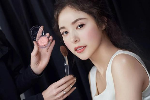 Chuyên gia thẩm mỹ vote top sao nữ có khuôn mặt đẹp nhất Kbiz: Nữ thần Kpop vượt mặt diễn viên, thứ hạng gây ngỡ ngàng - Ảnh 13.