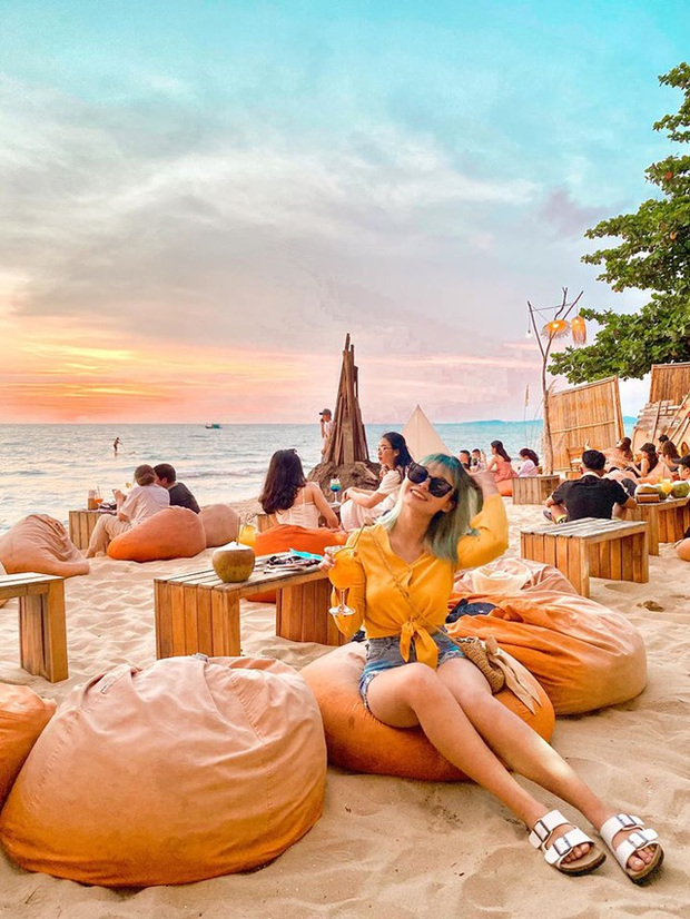 Nếu đến Phú Quốc, đừng bỏ qua 8 quán cà phê view biển sang chảnh này: Nơi hoàn hảo để ngắm hoàng hôn, lên hình đẹp đến ngỡ ngàng - Ảnh 16.