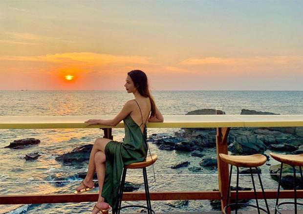 Nếu đến Phú Quốc, đừng bỏ qua 8 quán cà phê view biển sang chảnh này: Nơi hoàn hảo để ngắm hoàng hôn, lên hình đẹp đến ngỡ ngàng - Ảnh 19.