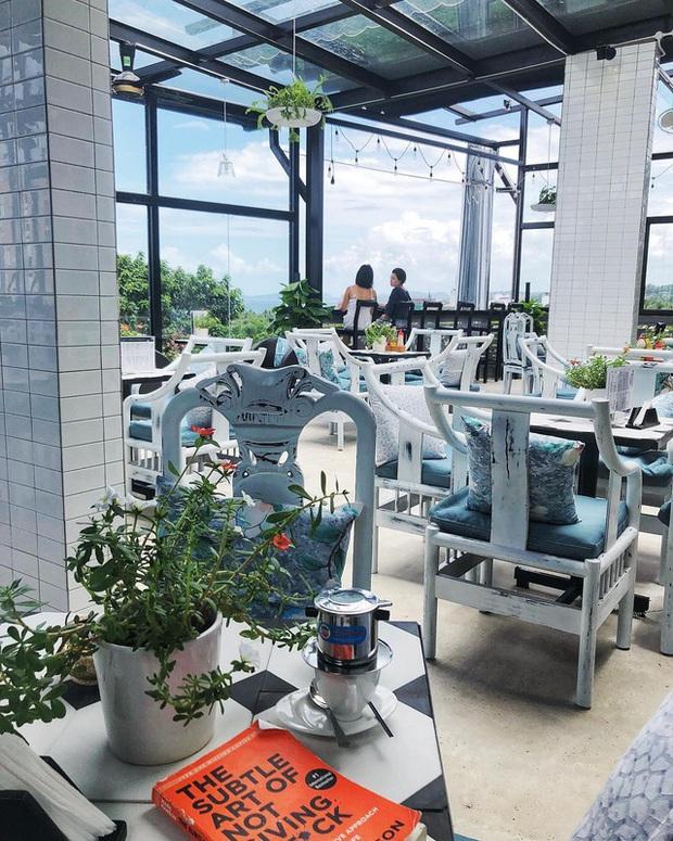 Nếu đến Phú Quốc, đừng bỏ qua 8 quán cà phê view biển sang chảnh này: Nơi hoàn hảo để ngắm hoàng hôn, lên hình đẹp đến ngỡ ngàng - Ảnh 25.
