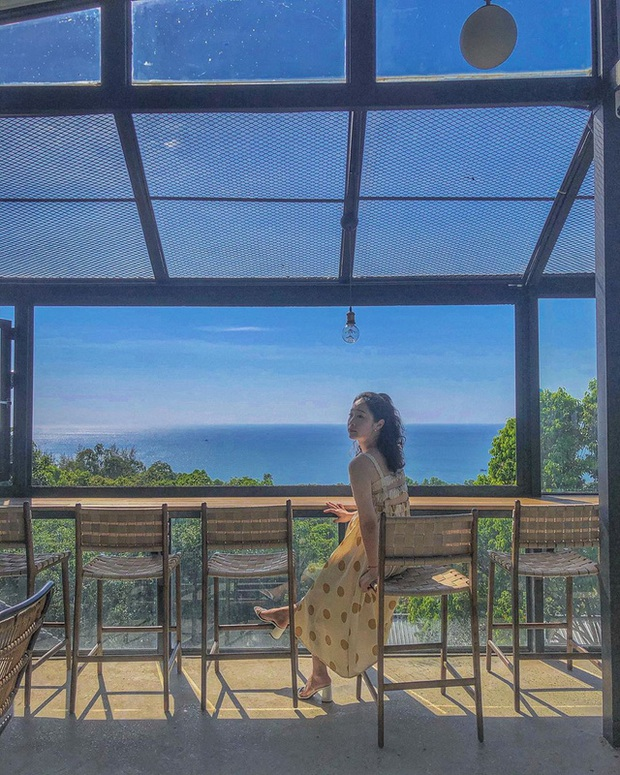 Nếu đến Phú Quốc, đừng bỏ qua 8 quán cà phê view biển sang chảnh này: Nơi hoàn hảo để ngắm hoàng hôn, lên hình đẹp đến ngỡ ngàng - Ảnh 7.