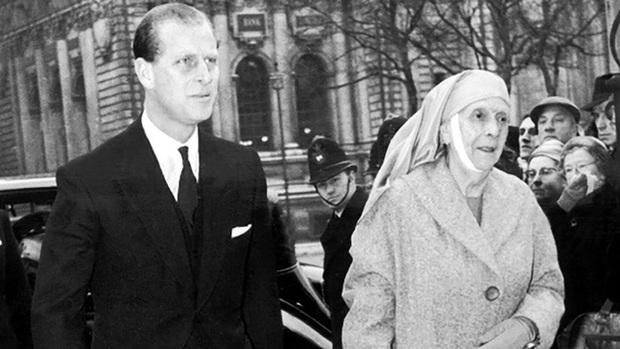 Mẹ chồng của Nữ hoàng Anh: Được con dâu đón về cung điện sống chung nhưng chỉ ở đúng 1 phòng và những điều khác biệt - Ảnh 6.