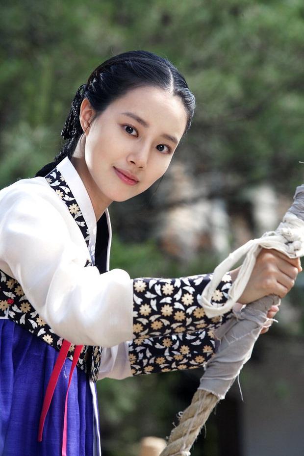 Khi sao nữ Hàn bị thời gian bỏ quên: Mợ chảnh và Song Hye Kyo lên hương, trùm cuối đích thị là Goo Hye Sun - Son Ye Jin - Ảnh 21.