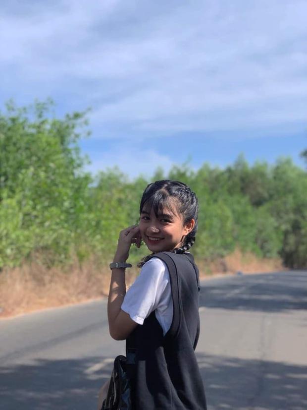 Clip quay lén gây bão MXH của nữ sinh Bình Thuận, vừa xinh xắn vừa có hành động siêu cấp đáng yêu - Ảnh 5.