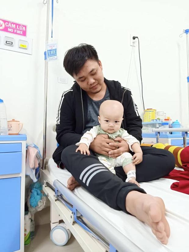 Em bé 14 tháng tuổi mang trong mình 2 loại ung thư: Chừng nào còn được nhìn thấy nụ cười của con, chúng tôi còn cố gắng - Ảnh 3.