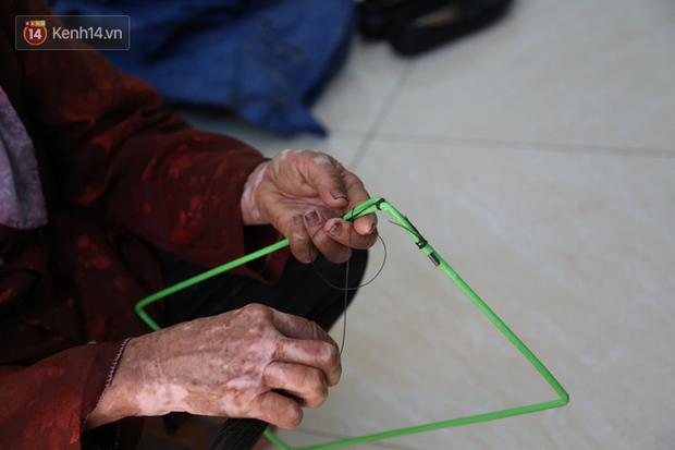 """Cụ bà gần 90 tuổi ở Hà Nội hàng ngày đi cấy, đan lưới làm thú vui tao nhã: """"Các cháu chưa chắc đã khoẻ bằng tôi"""" - Ảnh 9."""