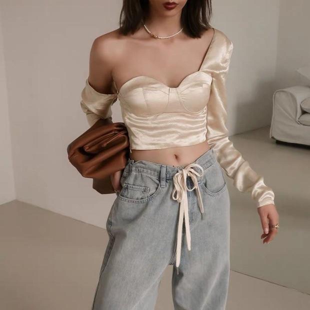 """Ngoài áo phông, vẫn có 11 kiểu áo mix cùng quần jeans """"auto"""" xịn đẹp, xem xong là chị em sẽ thấy cả chân trời mới - Ảnh 21."""