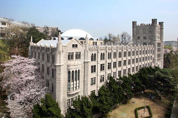 Khám phá trường đại học đẹp nhất Hàn Quốc, là nơi hàng loạt idol nổi tiếng theo học như G-Dragon, EXO, Han Ga In... - Ảnh 1.