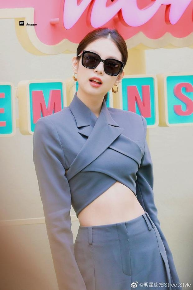 """Bộ suit Jennie"""" đi đâu cũng gặp ở Vbiz lúc này: Lan Ngọc, Tóc Tiên đều diện, riêng MLee sao y bản chính cả kiểu tóc - Ảnh 2."""