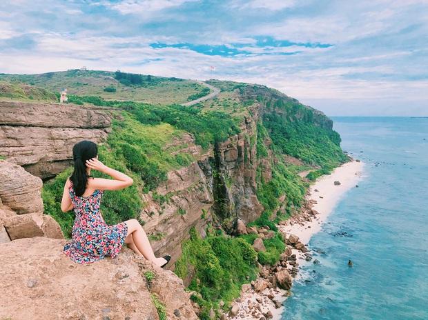 Một hòn đảo ở Việt Nam sở hữu tới 2 miệng núi lửa có tuổi đời hàng chục triệu năm, khung cảnh nhìn từ trên cao khiến nhiều người kinh ngạc - Ảnh 6.