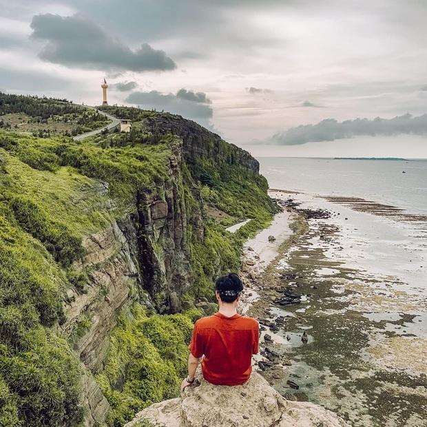 Một hòn đảo ở Việt Nam sở hữu tới 2 miệng núi lửa có tuổi đời hàng chục triệu năm, khung cảnh nhìn từ trên cao khiến nhiều người kinh ngạc - Ảnh 15.