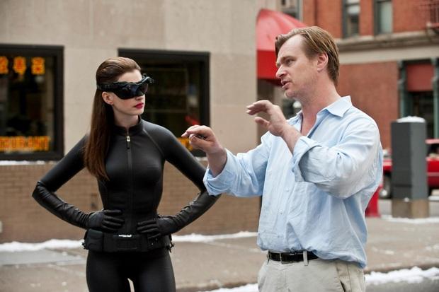 Bị phốt oan cấm dùng ghế trên phim trường, bậc thầy Christopher Nolan lên tiếng thanh minh Có mình tôi không được ngồi thôi! - Ảnh 3.