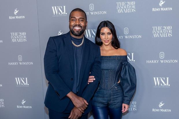 Tranh cãi tin Kim Kardashian chính thức thành tỷ phú đô la: Forbes lại điều tra, phân tích chiêu của vợ chồng Kim - Kanye - Ảnh 5.