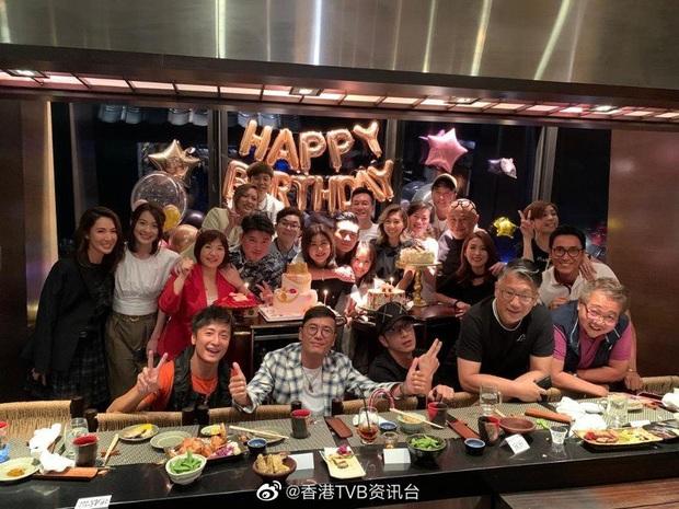 Sinh nhật sếp khủng TVB bất ngờ biến thành sự kiện lớn Hong Kong: Quy tụ nửa showbiz, chi phí party gây choáng không kém - Ảnh 9.