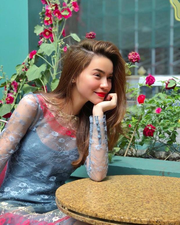 Mặc cho bụng bầu bắt đầu lộ rõ, Hà Hồ vẫn cân đẹp bộ đầm xuyên thấu gợi cảm từ năm ngoái - Ảnh 5.