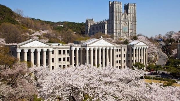 Khám phá trường đại học đẹp nhất Hàn Quốc, là nơi hàng loạt idol nổi tiếng theo học như G-Dragon, EXO, Han Ga In... - Ảnh 2.