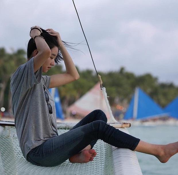 Ảnh mỹ nhân Điên thì có sao Seo Ye Ji du lịch Boracay hot trở lại: Mặt mộc, xuề xòa mà xinh muốn ngất, nóng nhất là body - Ảnh 6.