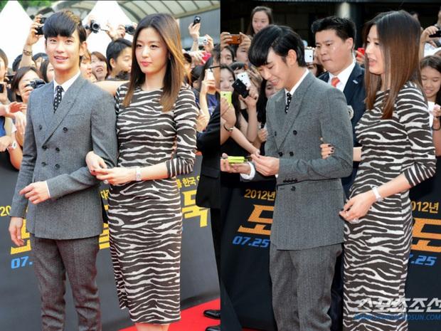 """Kim Soo Hyun 1m80 vẫn bị loạt bạn diễn nữ """"sỉ nhục"""" chiều cao tàn nhẫn: Biểu cảm nói lên tất cả, Seo Ye Ji xách dép Jeon Ji Hyun - Ảnh 6."""