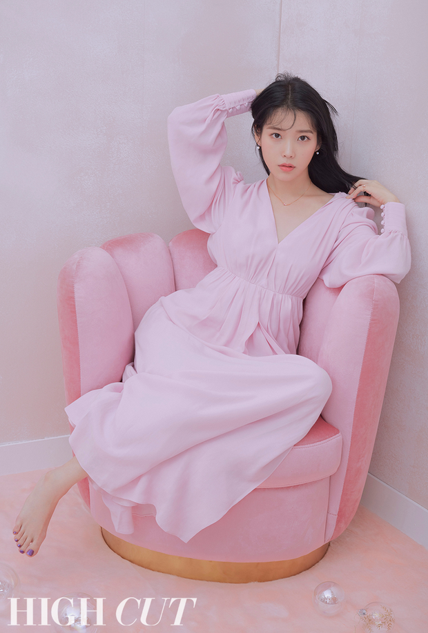 Nữ đại gia hào phóng vung tiền tặng quà khủng nhất Kpop IU: TWICE - GD nhận đống đồ giá trị, món quà đắt nhất gần 100 triệu - Ảnh 2.