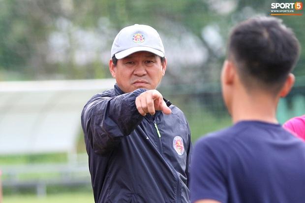 Chủ tịch kiêm HLV Sài Gòn FC tiết lộ cách chặn đứng dàn học trò thầy Park, danh sách có Công Phượng, Tiến Linh đến Quả bóng Vàng Đỗ Hùng Dũng - Ảnh 2.