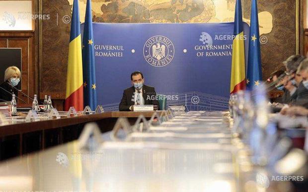 Chính phủ Romania họp khẩn khi số ca Covid-19 tăng cao kỷ lục - Ảnh 1.