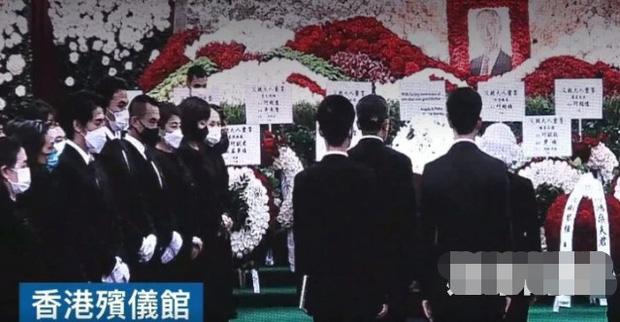 Diễn biến tang lễ trùm sòng bạc Macau: Vợ con khóc nức nở, bà Hai ngã bệnh nặng, ảnh hiếm của đại gia tộc được trình chiếu - Ảnh 2.