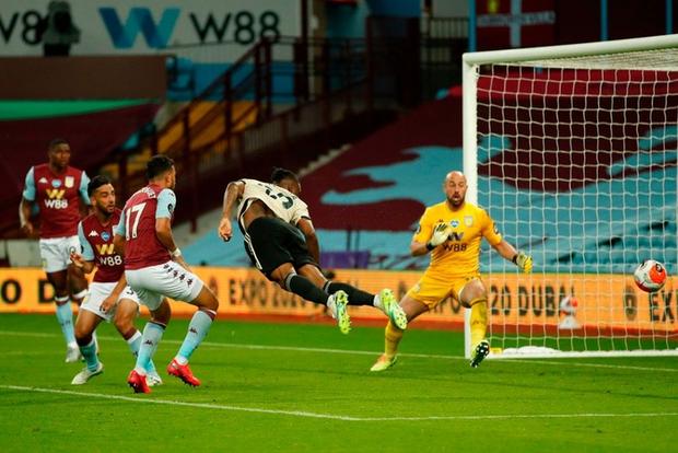 Manchester United 3-0 Aston Villa: Pogba nổ súng, sao trẻ Greenwood thăng hoa, Quỷ đỏ nâng chuỗi bất bại lên con số 17 - Ảnh 5.