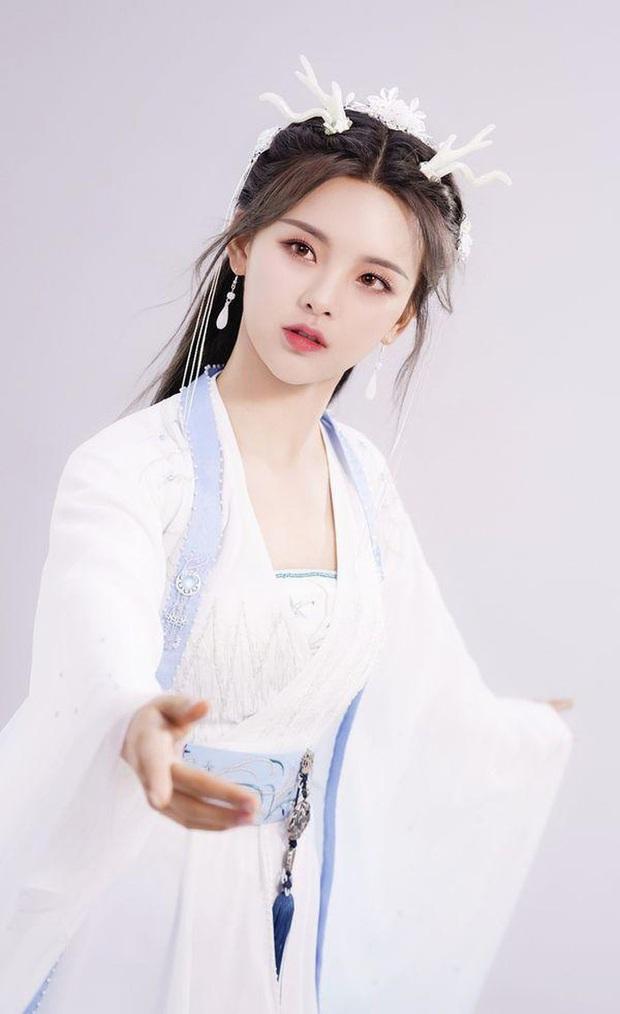 Tôn Lệ đụng độ Dương Siêu Việt ở phim mới, dân mạng mở tiệc ăn mừng vì chị đẹp cuối cùng cũng nuôi lại tóc dài - Ảnh 11.