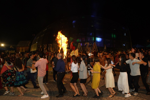 Đà Nẵng nỗ lực trở thành thủ phủ du lịch ban đêm, ăn chơi sau 0h của Việt Nam - Ảnh 3.