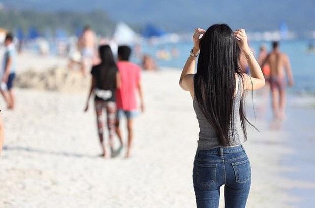 Ảnh mỹ nhân Điên thì có sao Seo Ye Ji du lịch Boracay hot trở lại: Mặt mộc, xuề xòa mà xinh muốn ngất, nóng nhất là body - Ảnh 10.