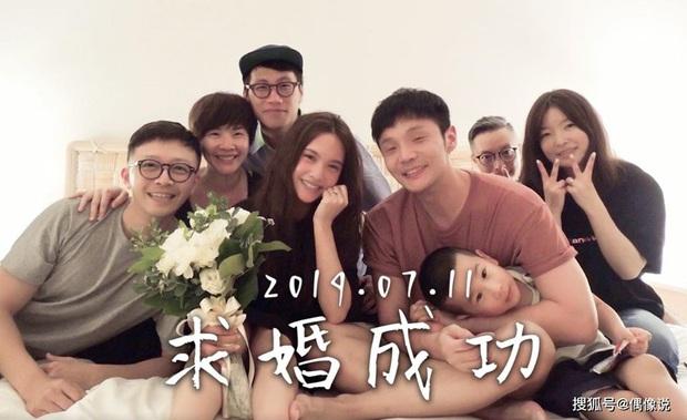Top 1 Weibo sáng nay: Dương Thừa Lâm khoe clip được cầu hôn, nhưng sao lại vừa hét vừa khóc thế này? - Ảnh 9.