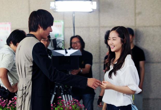 Tình sử Lee Min Ho - Kim Go Eun trước khi bén duyên: Nàng chỉ thích các chú, nhìn dàn tình cũ quyền lực của chàng mà choáng - Ảnh 6.