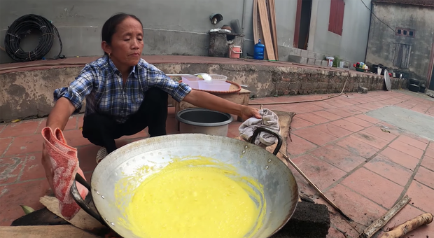 Quá khó hiểu với công thức của bà Tân Vlog: xay xoài với sữa để làm món pudding... đậu nành - Ảnh 5.