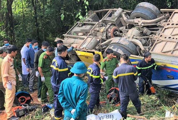 Vụ xe khách lao xuống vực khiến 5 người chết: Xe chạy sai tuyến, phụ xe tử nạn dương tính với ma túy - Ảnh 1.