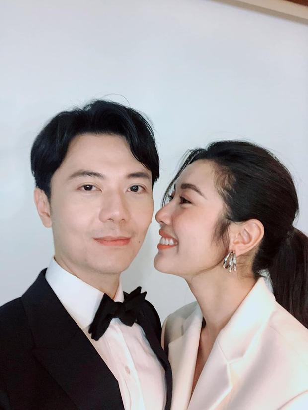 Thúy Vân khoe hậu trường chụp ảnh cưới: Diện váy cô dâu cực xinh, chăm ông xã chu đáo trước thềm hôn lễ - Ảnh 7.