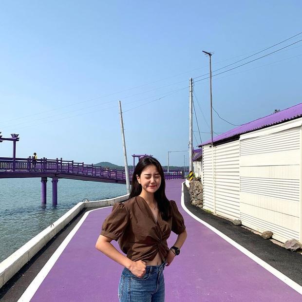 """Một hòn đảo kỳ lạ vừa xuất hiện ở Hàn Quốc đã tạo cơn bão check-in trên MXH: Tất cả mọi thứ đều nhuốm màu """"tím lịm tìm sim"""" - Ảnh 22."""
