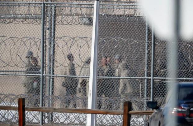 Mỹ lại có số ca nhiễm mới trong ngày kỷ lục, bang California sẽ thả 8.000 tù nhân - Ảnh 1.