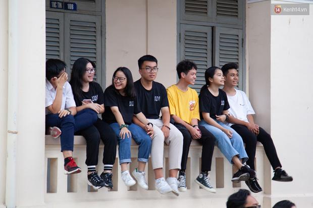 Lễ trưởng thành của ngôi trường được mệnh danh là lò đào tạo sao Việt: Chất lừ và đong đầy cảm xúc - Ảnh 3.