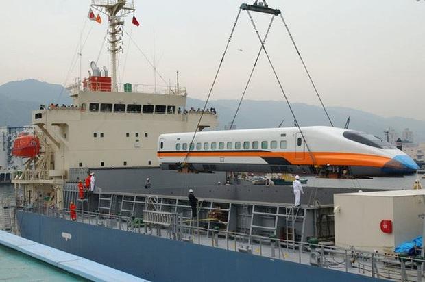 Cùng nhìn lại lịch sử hoạt động của tàu siêu tốc Shinkansen, niềm tự hào Nhật Bản với phiên bản mới nhất có thể chạy ngon ơ ngay cả khi động đất - Ảnh 30.