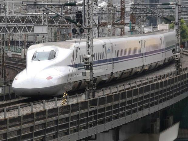 Cùng nhìn lại lịch sử hoạt động của tàu siêu tốc Shinkansen, niềm tự hào Nhật Bản với phiên bản mới nhất có thể chạy ngon ơ ngay cả khi động đất - Ảnh 6.