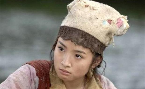 Khi sao Cbiz thử sức với tạo hình cái bang: Angela Baby vẫn siêu xinh, Lưu Hạo Nhiên - Trần Phi Vũ thì ba má nhận không ra - Ảnh 6.