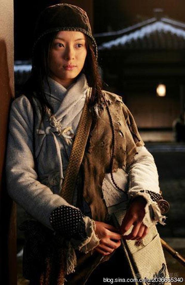 Khi sao Cbiz thử sức với tạo hình cái bang: Angela Baby vẫn siêu xinh, Lưu Hạo Nhiên - Trần Phi Vũ thì ba má nhận không ra - Ảnh 2.
