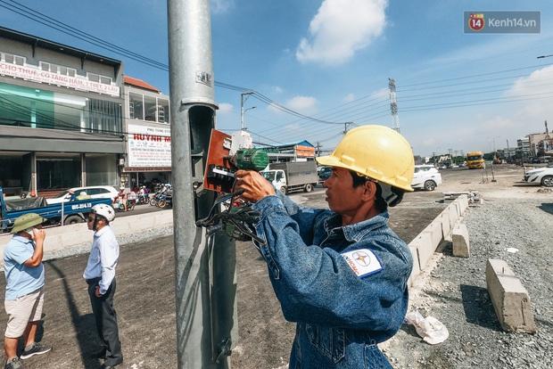 Cận cảnh hầm chui hơn 500 tỷ đồng tại điểm đen giao thông ở Sài Gòn trước ngày thông xe - Ảnh 14.