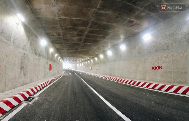 Cận cảnh hầm chui hơn 500 tỷ đồng tại điểm đen giao thông ở Sài Gòn trước ngày thông xe - Ảnh 8.